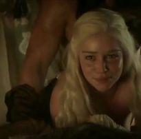 Daenerys nua fudendo gostoso em Game of Thrones – Tv Porno