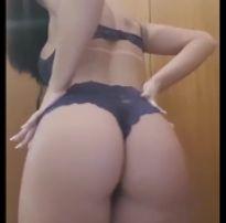 Acervo da putaria +18: novinha fazendo um striptease