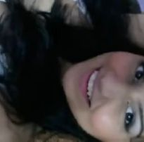Novinha exibindo a buceta na webcam