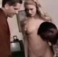 Corno levou um amigo pra foder sua esposa  | blonde tube