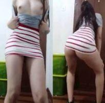 Novinha mostrando os peitinho e rebolando sem calcinha – m3uonline