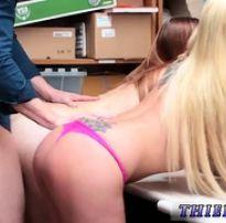 Novinhas pegas e liberando bucetinhas  | blonde tube
