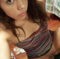 Manda nudes novinha:  fotos caseiras da julian de 20 aninhos adora da o cuzinho apertado