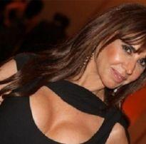 Cláudia alencar, atriz peituda da record, mostrando os peitos
