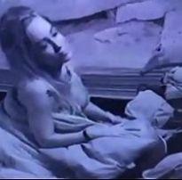 Jéssica do BBB18 tocando uma siririca à noite