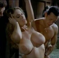 Anal hardcore com gostosas peitudas – pornô anos 80