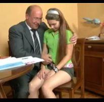 Russa gostosa transando com professor mais velho