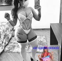 Uma das mulheres mais gatas e gostosas do instagram,exibindo sensualidade