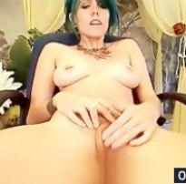 Emo tatuada novinha deliciosa pelada na webcam