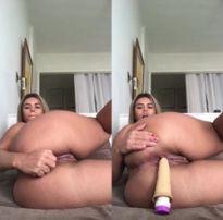 Novinha se masturbando pelo cu