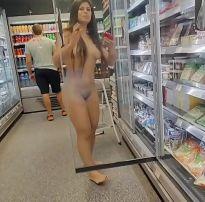 Vídeo novo da linda luana kazaki totalmente nua no supermercado
